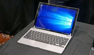 """""""Hô biến"""" Surface Pro và Go thành laptop tiêu chuẩn với bàn phím Brydge"""