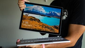 """Surface Book 3 vs Surface Pro 7: """"Cuộc so tài của những chiến binh hiệu năng"""""""