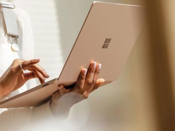 """Surface Laptop 3: Có nên """"rinh"""" về ngay trong năm nay?"""