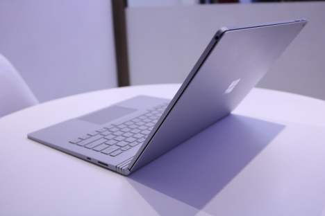 Surface Book 2 ( 13.5 inch ) ( i5/8GB/128GB ) 3