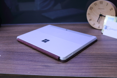 Surface Go (4415Y/8GB/128GB) + Type Cover 6