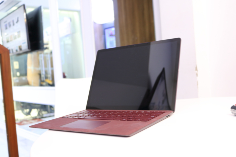 Surface Laptop ( i7/16GB/512GB ) 6