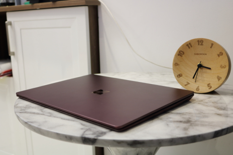 Surface Laptop ( i7/8GB/256GB ) 5