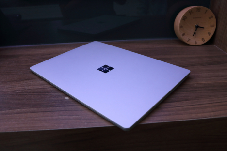 Surface Laptop 2 ( i7/8GB/256GB ) 2