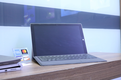Surface Pro 3 ( i5/8GB/256GB ) + Type Cover 3