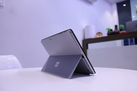 Surface Pro 4 ( i5/4GB/128GB ) + Type Cover 4