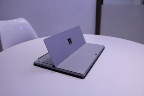 Surface Pro 4 ( i5/4GB/128GB ) + Type Cover 5