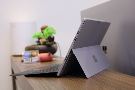 Surface Pro 4 ( m3/4GB/128GB ) + Type Cover 2