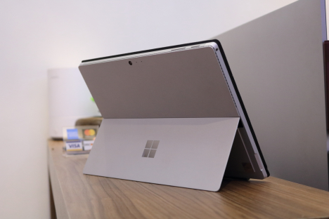Surface Pro 4 ( m3/4GB/128GB ) + Type Cover 6