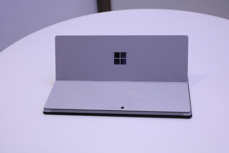 Surface Pro 2017 ( i5/4GB/128GB ) + Type Cover 5