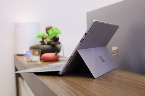 Surface Pro 2017 ( i7/16GB/512GB ) + Type Cover 6