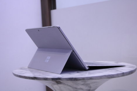 Surface Pro 6 ( i5/8GB/128GB ) + Type Cover 3