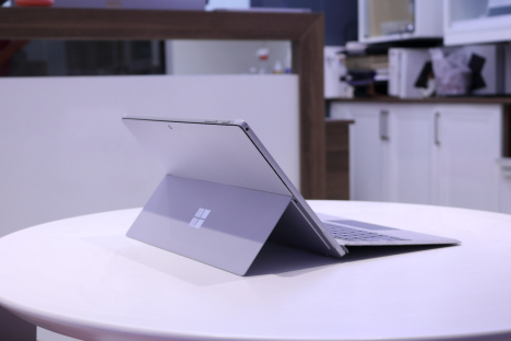 Surface Pro 6 ( i5/8GB/128GB ) + Type Cover 5