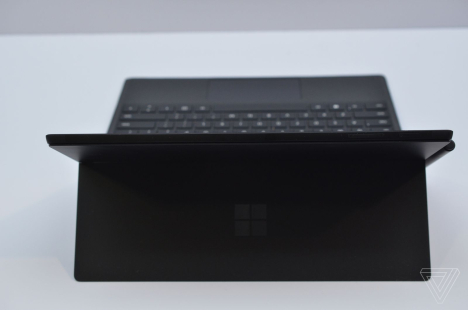 Surface Pro 6 ( Pro 2018 ) | Core i7 / RAM 16GB / SSD 512GB 3