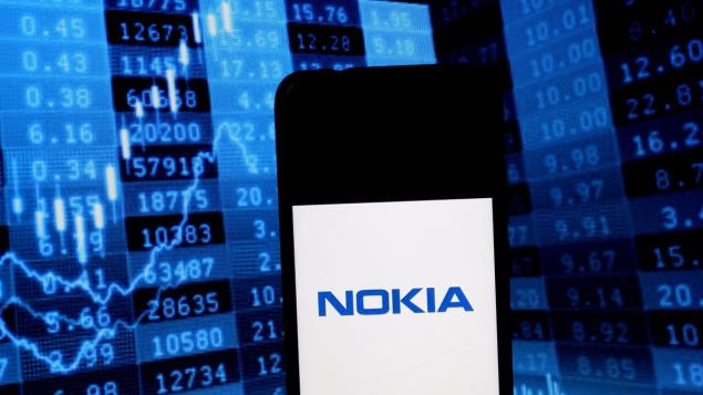 """Microsoft đang """"nhòm ngó"""" mảng thiết bị viễn thông của Nokia?"""