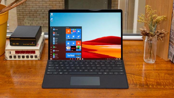 Đâu là sự khác biệt giữa Surface Pro 7 và Surface Pro X?