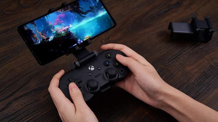 Bộ điều khiển Xbox nhỏ gọn thiết kế dành riêng cho Microsoft's xClound